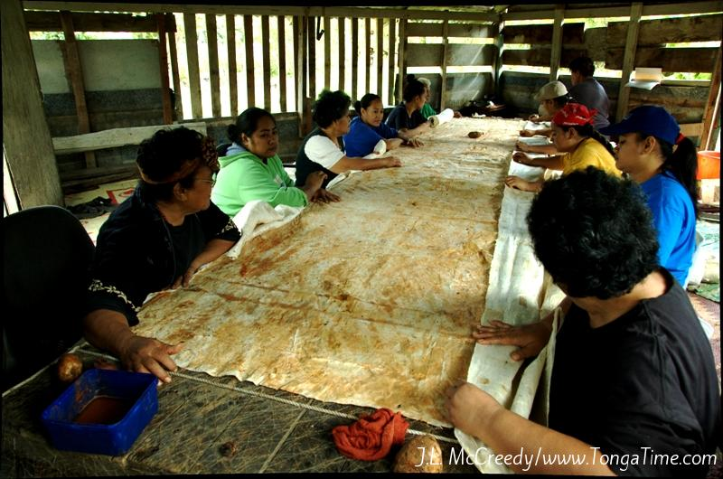 Tapa Making in Kava Hut.Nuku'alofa, Tonga
