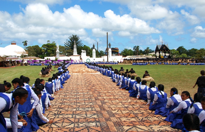 Tapa at King George V Funeral.Royal Tombs. Tonga