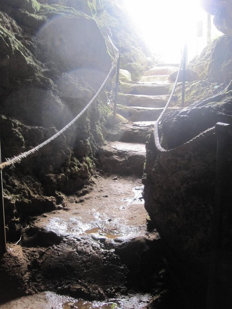 'Anahulu Cave