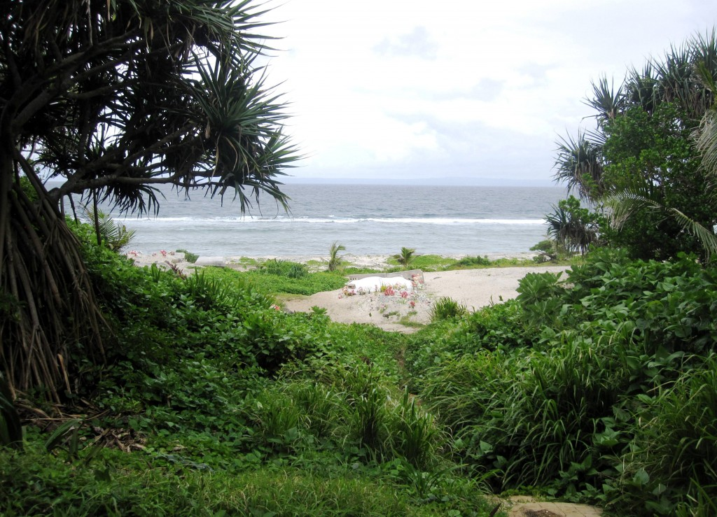 'Anahulu Beach (view from cave entrance)