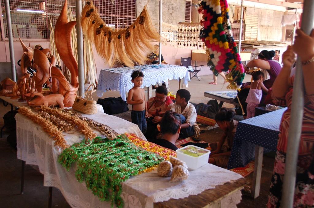 Family selling Kia-Kia's at Meketi Talamahu