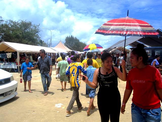 weekend-flea-market.Vuna Road,Nukualofa Tonga