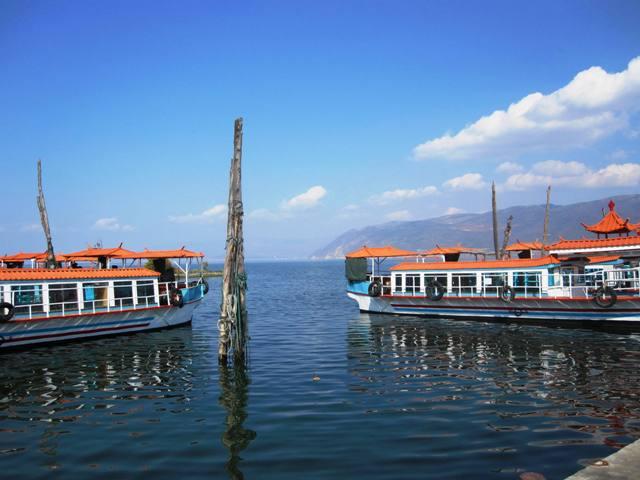 Ferries on Erhai Lake