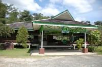 Bukit Bangkirai ticket area and entrance to rain forest