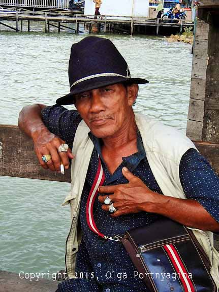Man with Kalimantan Stone Tings (Penajam Wharf)