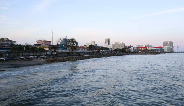 View of developing Balikpapan: Balikpapan plaza and Cahaya mall in background