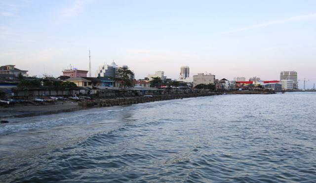 View of developing Balikpapan: Balikpapan plaza and Cahaya mall in background