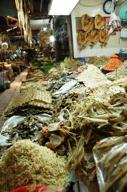Pasar Klandasan in Balikpapan: Dried fish stall across from Ibu Djumiati.