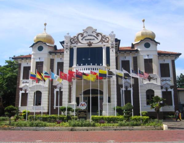 Former British Malacca Club, now free museum and Proclamation of Independence Memorial