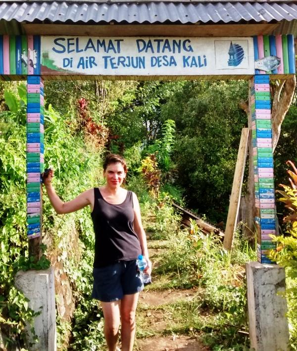 Trailhead for Kali Waterfall