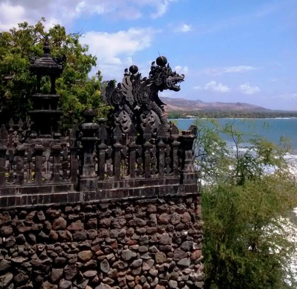 Dragon Statue from Pura Pabean.Pemuteran Bali