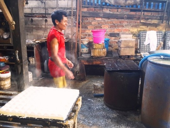 Inside an Indonesian Tofu Factory: A Step-by-Step Guide on How to Make Tofu