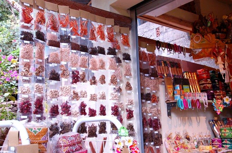 Munduk Spice Shops.Bali