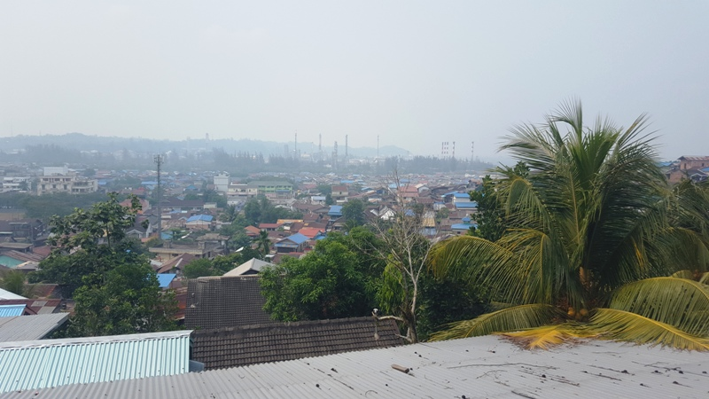 Indonesia air pollution: Smoke over Balikpapan