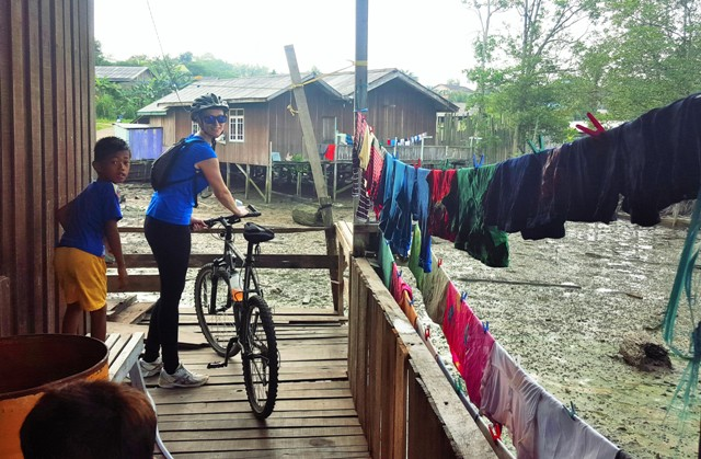 Cycling near Pertamina pipes