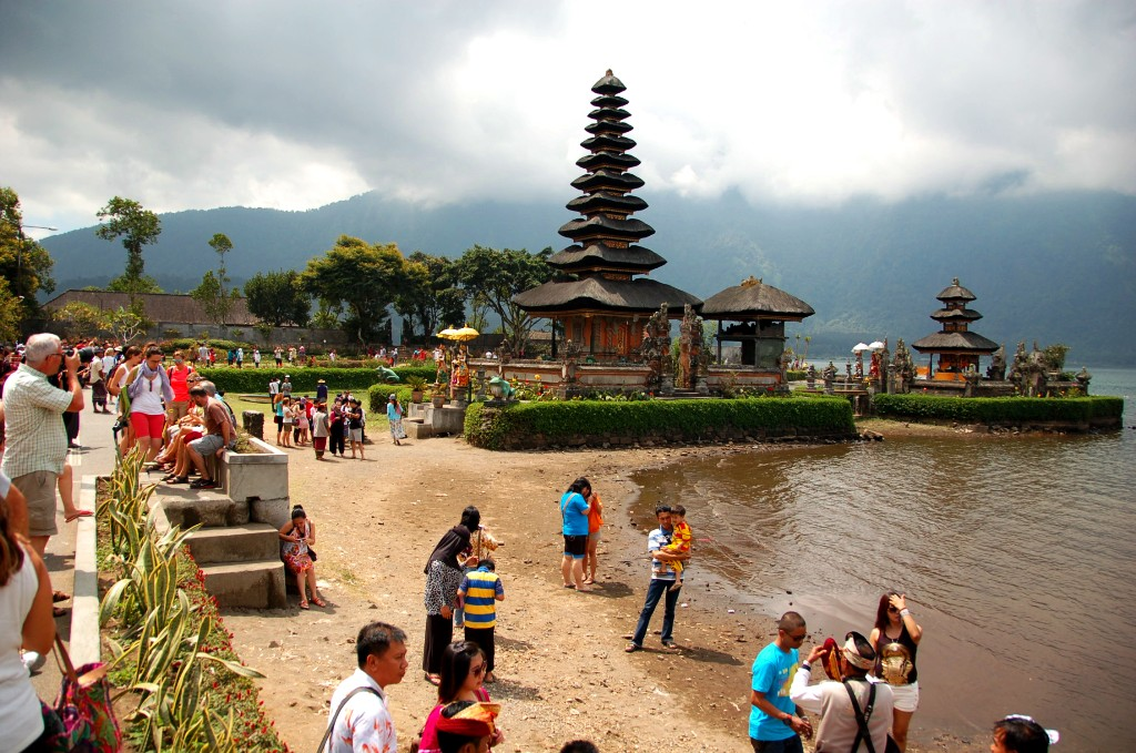 Pura Danau Beratan. Important Bali Temples