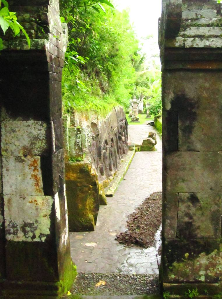 Bali Temples: Yeh Pulu in Bedulu