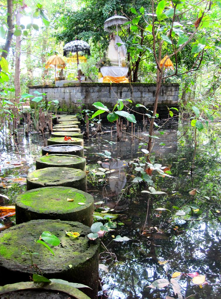 Bali temples: obscure temple in mangrove swamp, Sanur