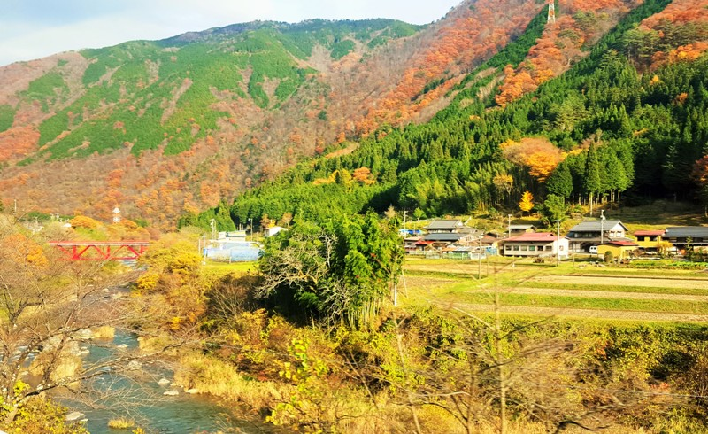Train ride from Nagoya to Takayama