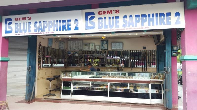 Popular gemstone kiosk at Pasar Kebun Sayur in Balikpapan