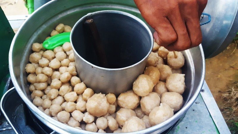 Steamed bakso balls (tapioca flour mixed with chicken, salt and spices).Indonesian Street Food