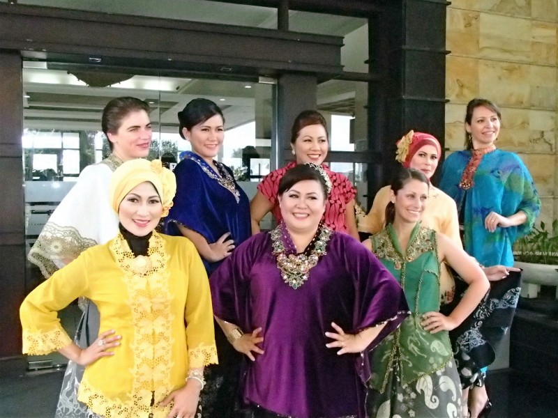 Indonesian-wear fashion show for Kartini Day, 2015