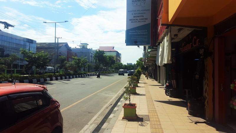 Main Road Jendral Sudirman by Pasar Klandasan